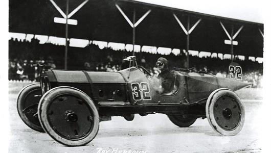 Ray Harroun in the #32 Marmon Wasp (Marmon/Marmon) on the track at the Indianapolis Motor Speedway in 1911.