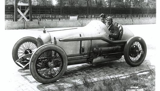 Roscoe Sarles in the #28 Oldfield (Miller/Miller) at the Indianapolis Motor Speedway in 1919.