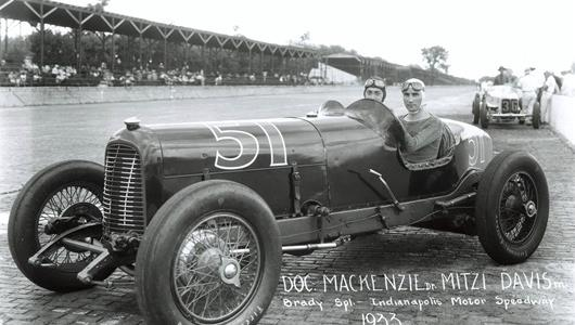 Doc MacKenzie in the #51 Brady Special (Duesenberg/Studebaker) at the Indianapolis Motor Speedway in 1933.