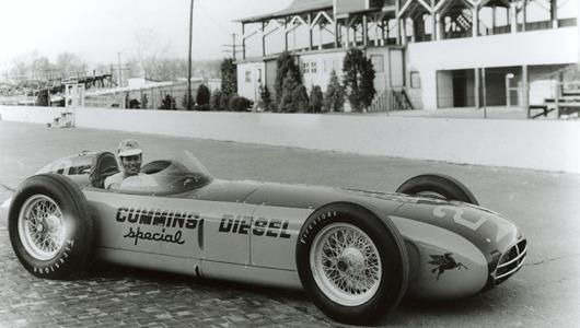 Fred Agabashian in the #28 Cummins Diesel Special (Kurtis/Cummins) at the Indianapolis Motor Speedway in 1952