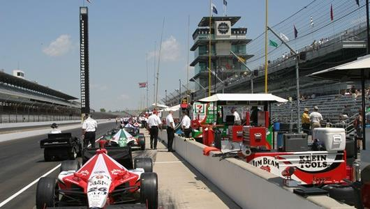 Dan Wheldon\'s No. 26 Klein Tools/Jim Beam entry for Andretti Green Racing.