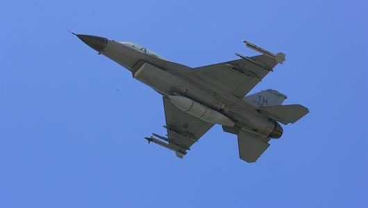 The F-16D in which NASCAR NEXTEL Cup Series driver Tony Raines flew Aug. 1.