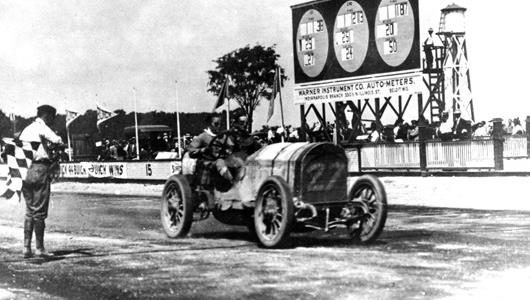 The finish of one of the first races at IMS in August 1909.