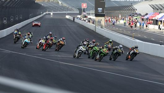 The start of the Liqui Moly Junior Cup Race 1 - MotoAmerica Superbikes at the Brickyard - Saturday, October 10, 2020