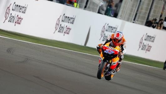 Stoner Starts Season With Qatar Victory; Lorenzo Surprising Second