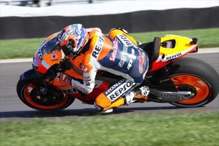 Stoner Eyes MotoGP Pole After Leading Opening Practice