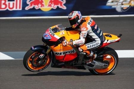Stoner Dominates 2011 Red Bull Indianapolis GP