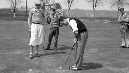1930 golfing