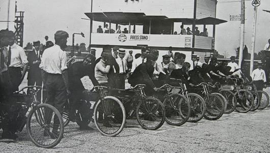 Motorcycles Were First Racing Machines To 'Invade' IMS in 1909